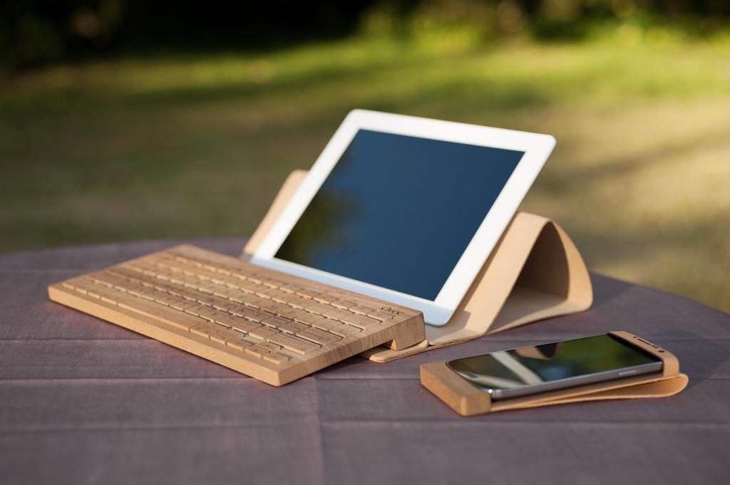 Utilisation d'un clavier en bois avec un tablette
